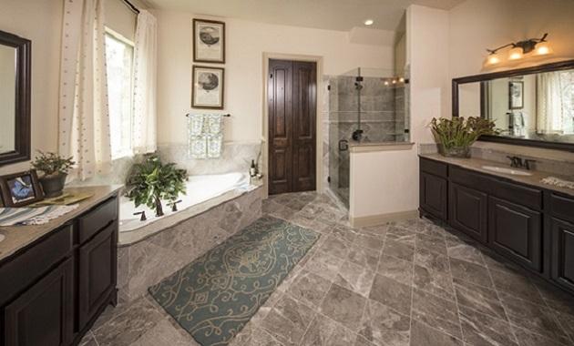 Master Bathroom - Design 3423