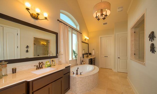 Master Bathroom - Design 3513