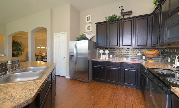 Kitchen - The Warrenton XVIII (5908 Plan)