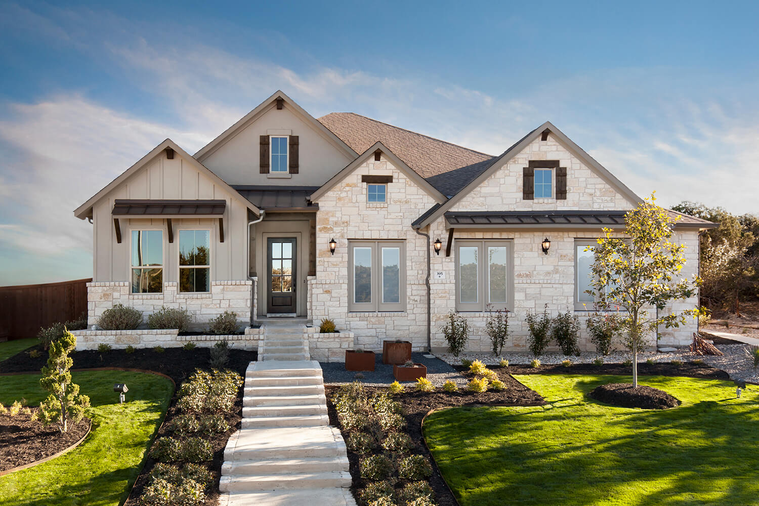 Front Elevation - The Groveton (2718 Plan)