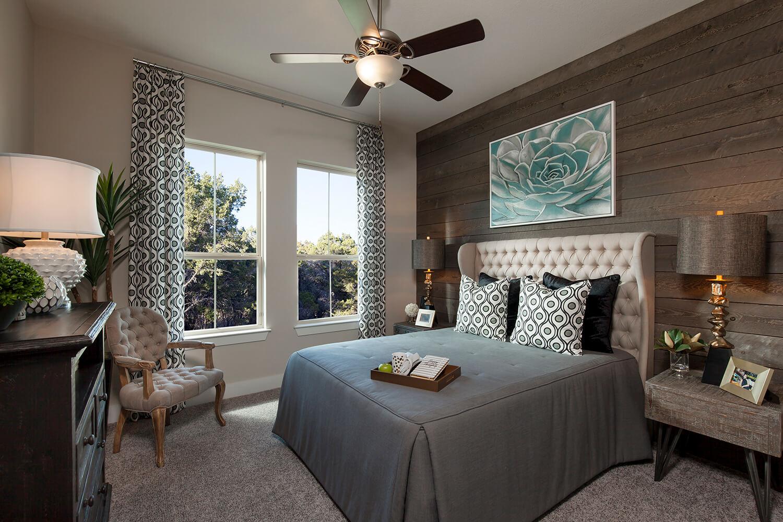 Secondary Bedroom - The Groveton (2718 Plan)