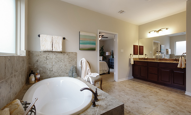 Master Bathroom - The Warrenton XII (5885 Plan)