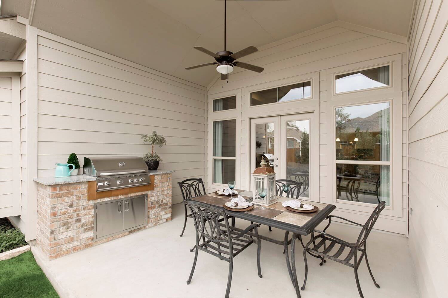 Outdoor Patio - The Calvert (Design 2539)