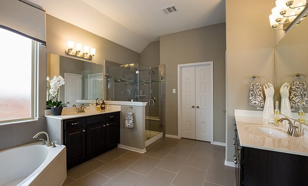 Master Bathroom  - Design 2583