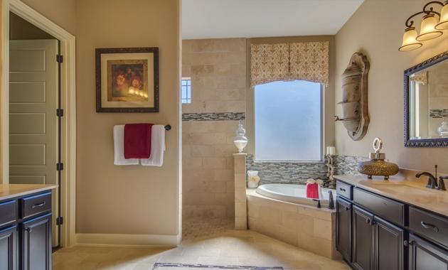 Master Bathroom - Design 3510
