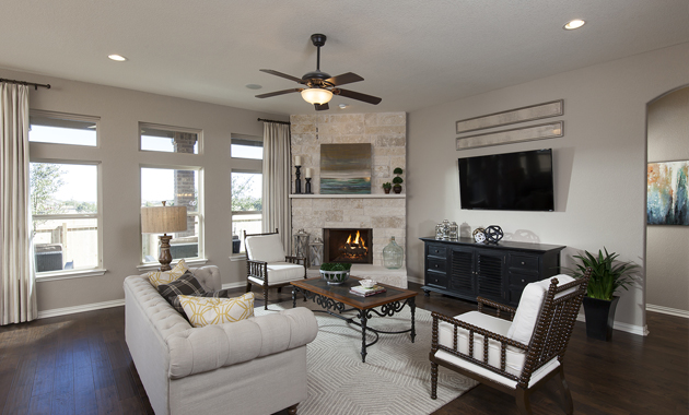 Family Room - The Pecanhill (2320 Plan)