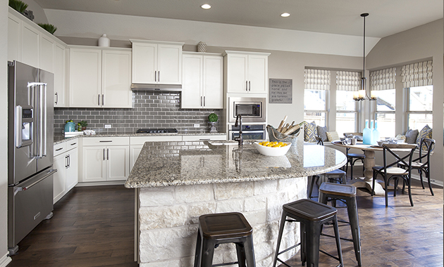 Kitchen - The Pecanhill (2320 Plan)