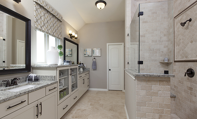 Master Bathroom - The Pecanhill (2320 Plan)