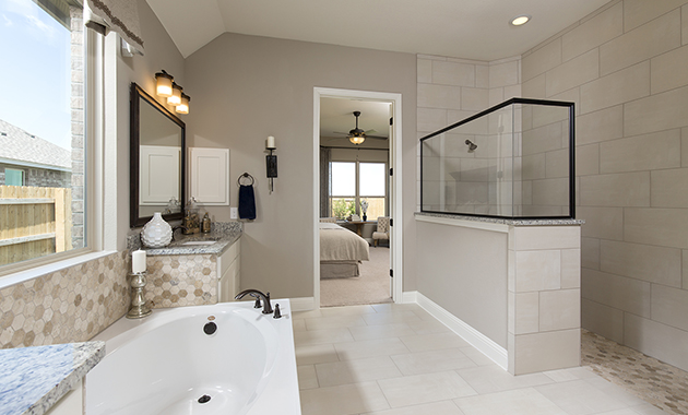 Master Bathroom - The Zavalla (Design 3253)