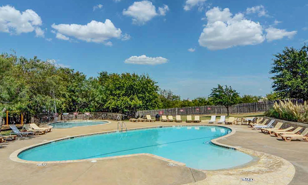 Amenity Center Pool