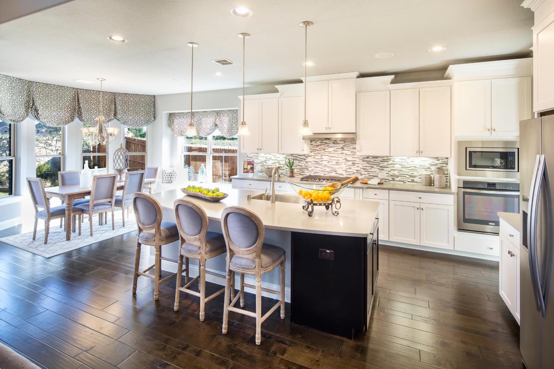 Kitchen - The Lockhart (3767 Plan)