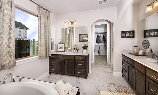 Master Bath - The Navarro Mills (3218 Plan)