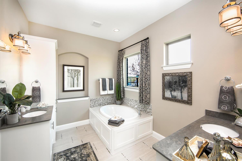 Master Bathroom - The Campbellton (3747 Plan)