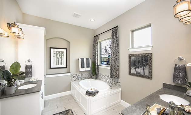 Master Bathroom - The Campbellton (3747 Plan)