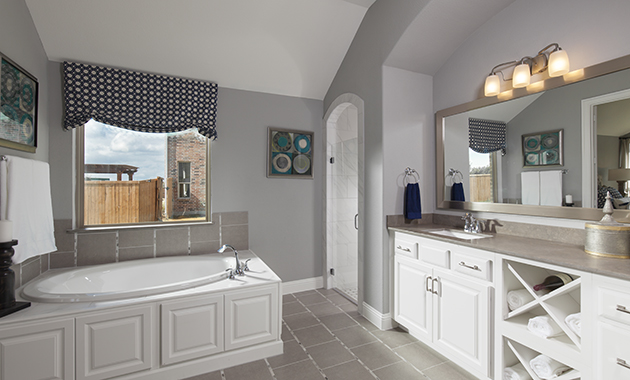 Master Bathroom - The Burkburnett (Design 2091)