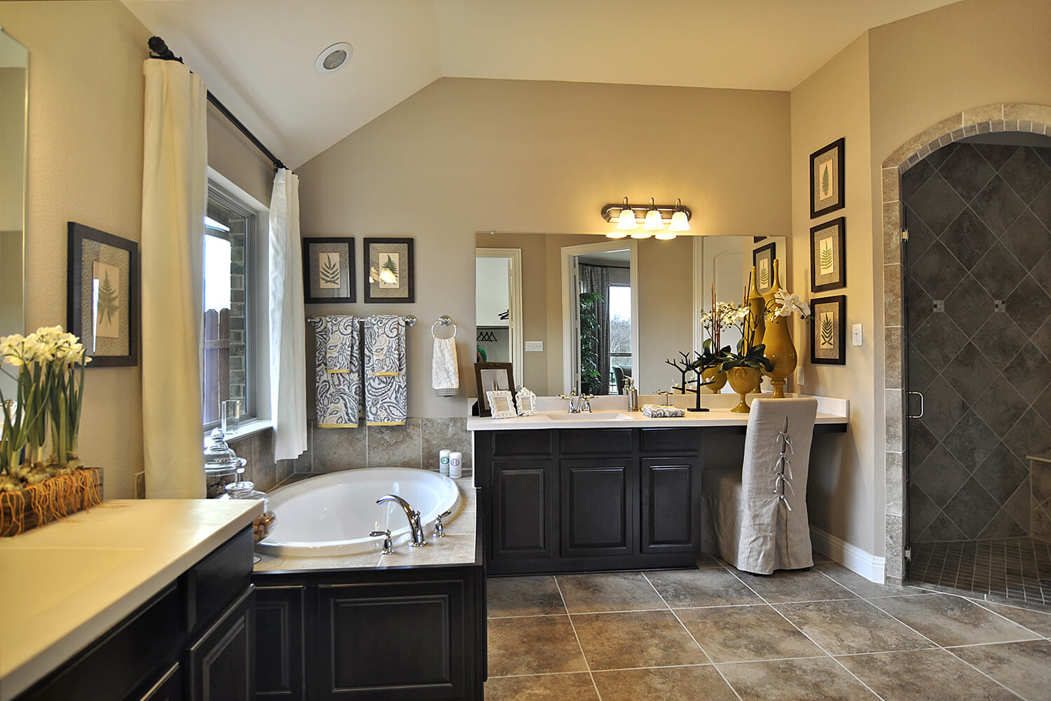 Master Bathroom - The Kilgore (2153 Plan)