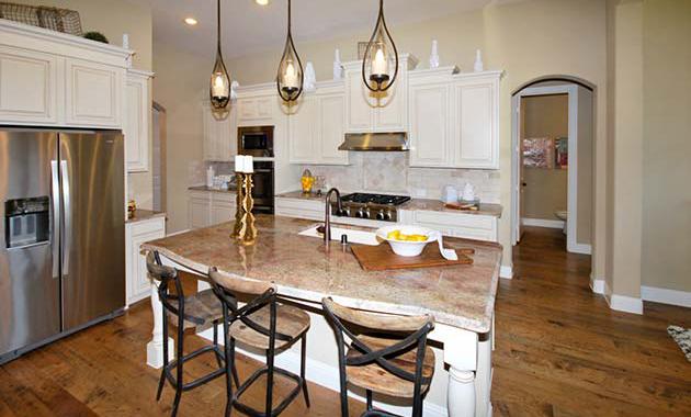 Kitchen - The Tuscola (3163 Plan)