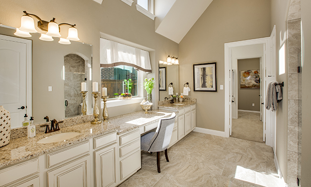 Master Bathroom - The Tuscola (3163 Plan)