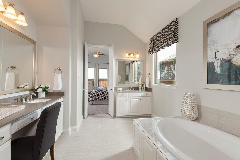 Master Bathroom - The Brookston (3099 Plan)