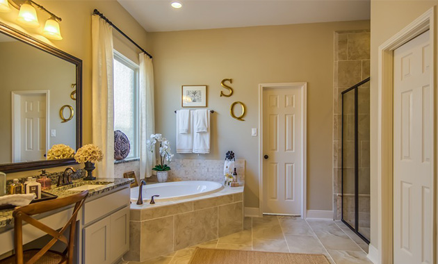 Master Bathroom - The Hooks VI (6475 Plan)