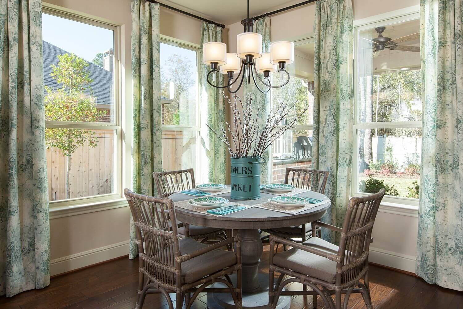 Breakfast Nook - The Buescher (5962 Plan)