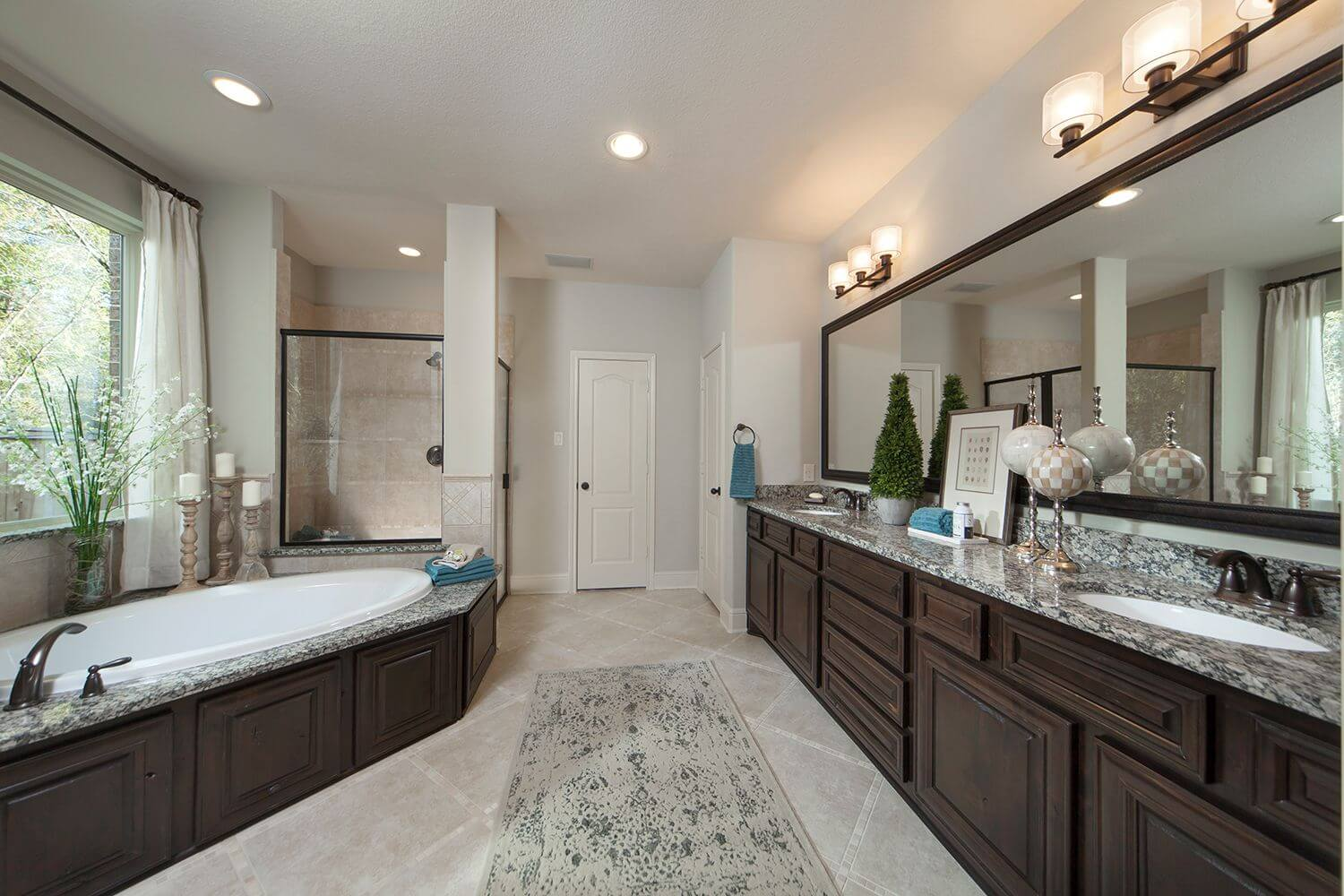 Master Bathroom - The Buescher (5962 Plan)