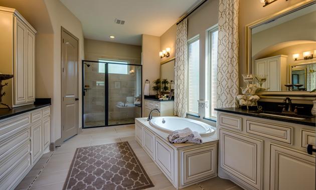 Master Bathroom - Design 7301