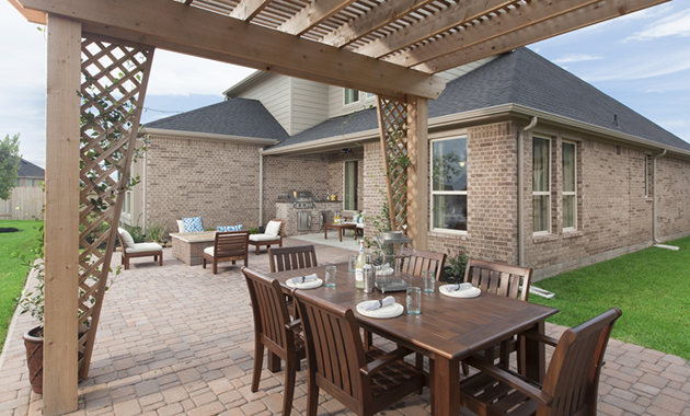 Outdoor Living - The Buescher (5962 Plan)