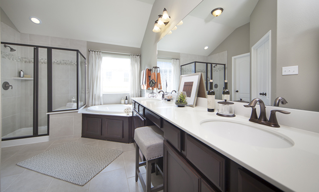 Master Bathroom - The Stuart V (5356 Plan)
