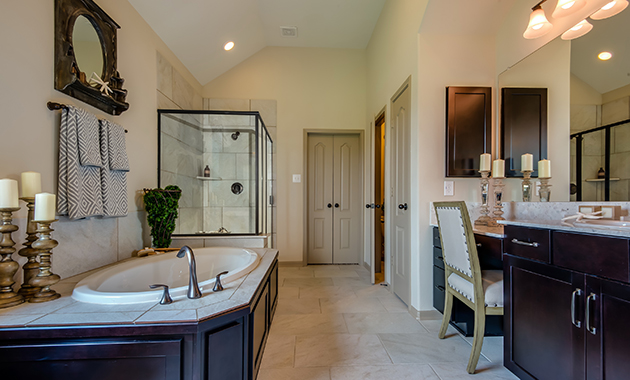 Master Bathroom - The Chappel Hill (5393 Plan)