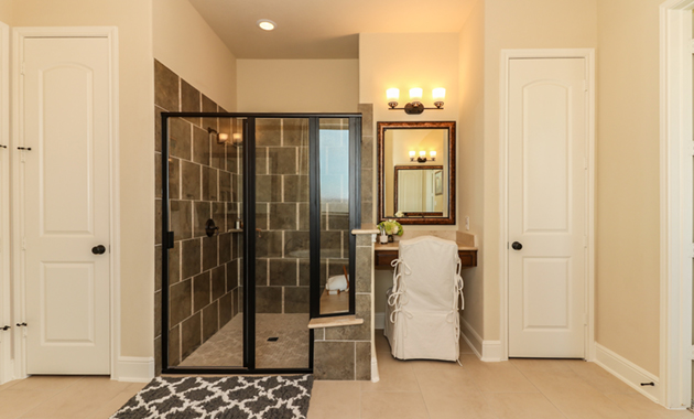 Master Bathroom - Design 7304