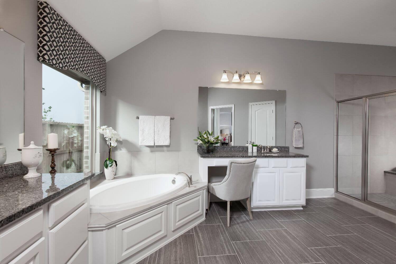 Master Bathroom - Design 5391