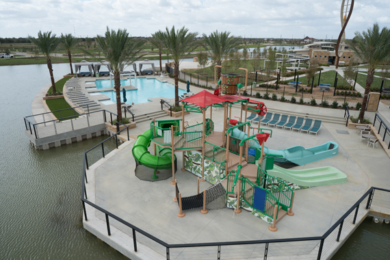Meridiana Splash Pad and Amenity Pool