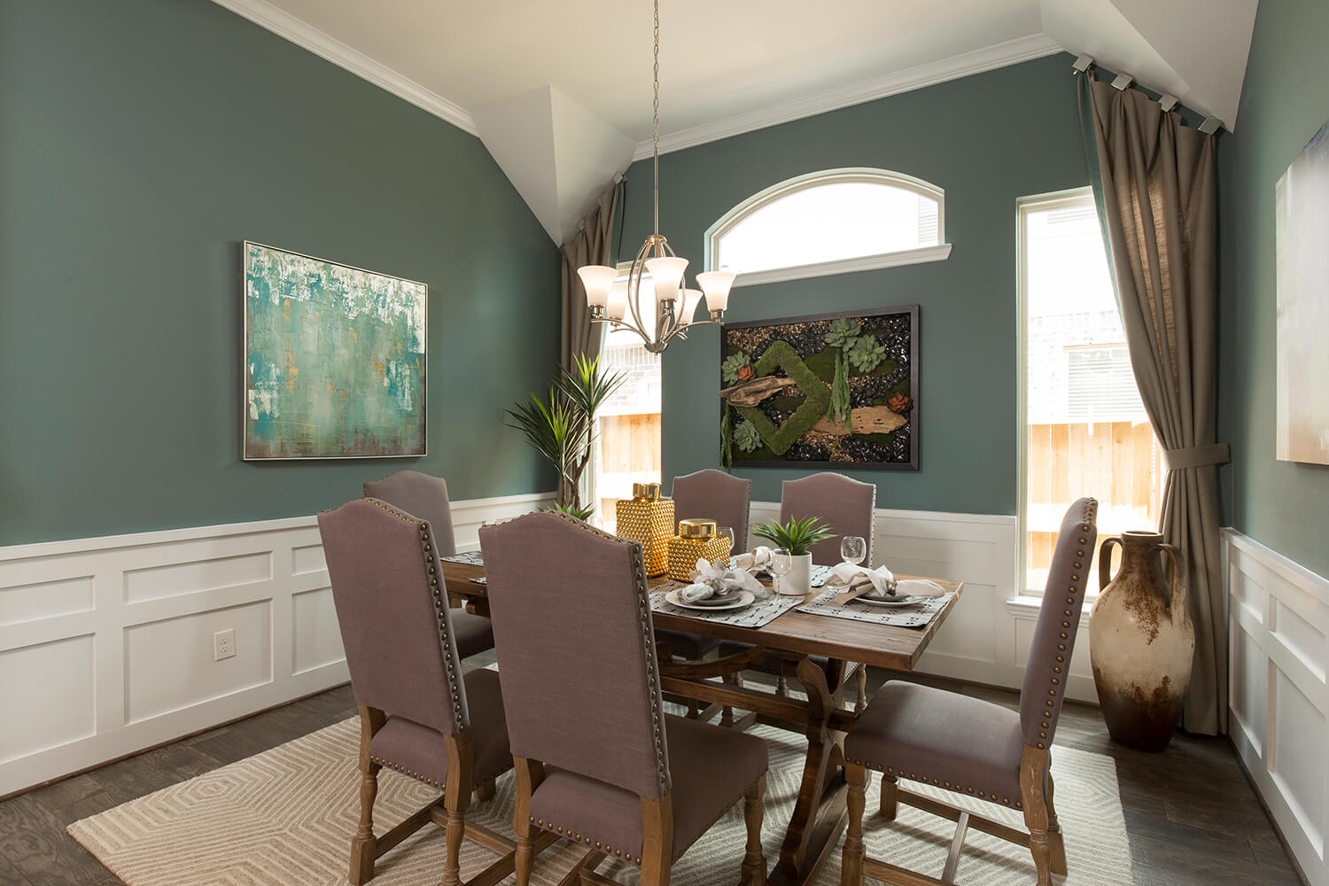 Dining Room - Lindsay (6495 Plan)