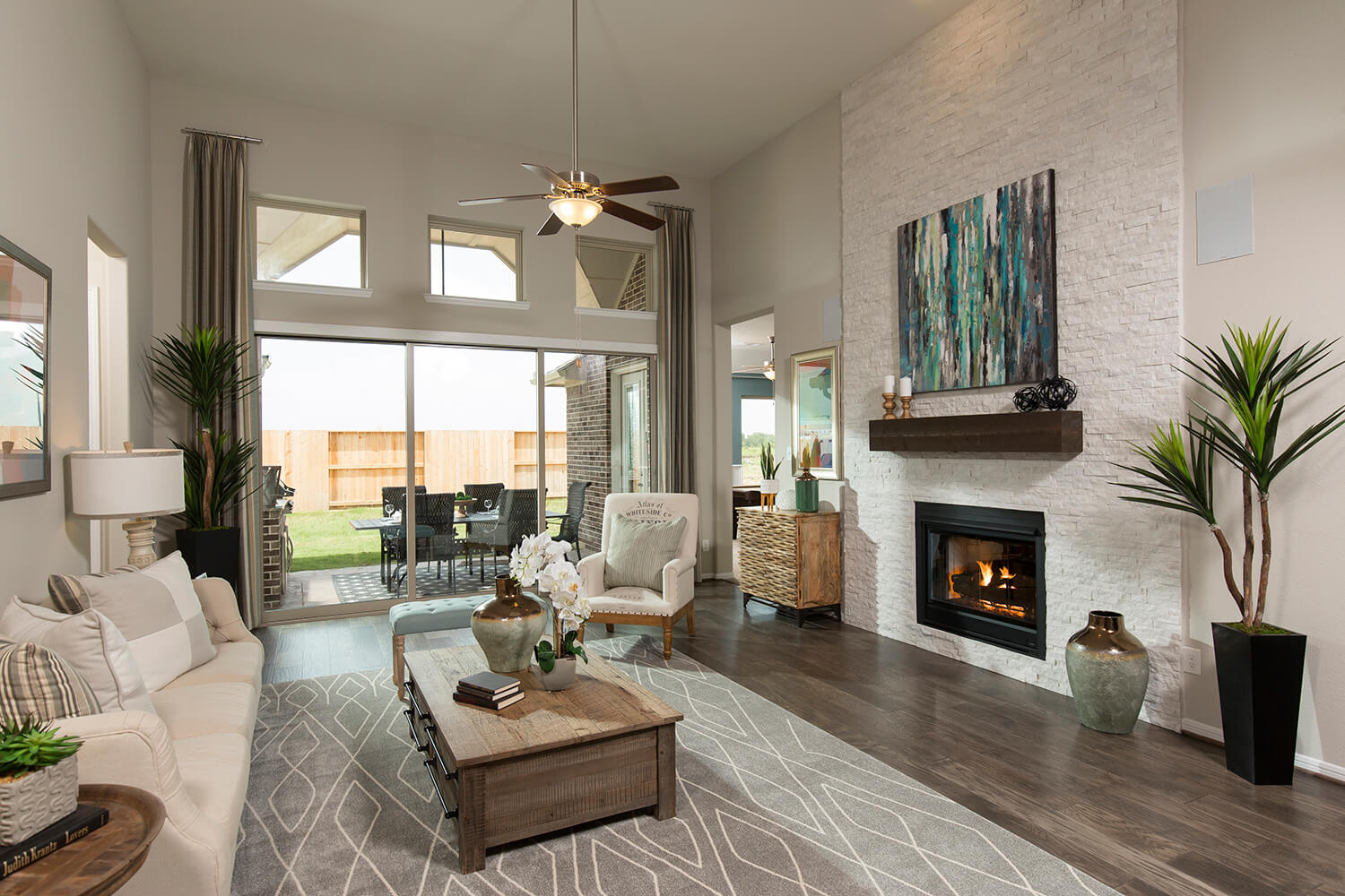 Family Room - Lindsay (6495 Plan)