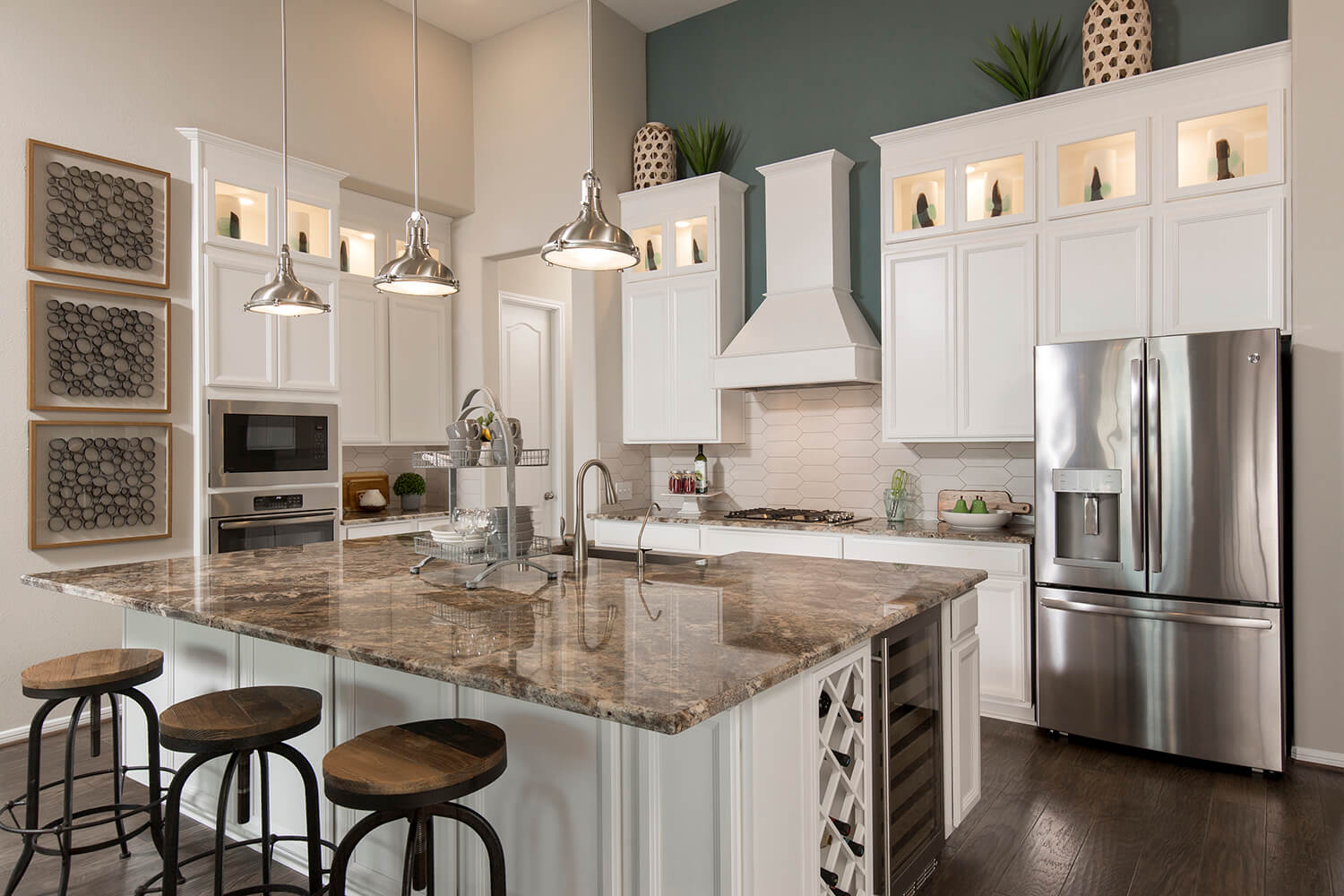 Kitchen - Lindsay (6495 Plan)
