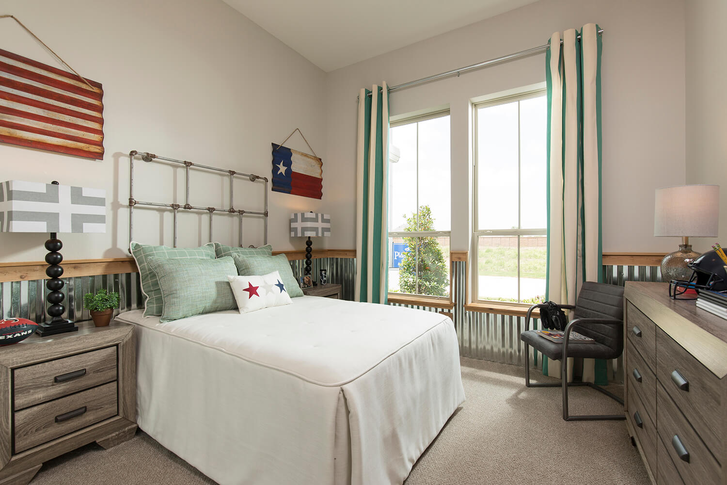 Secondary Bedroom - Lindsay (6495 Plan)