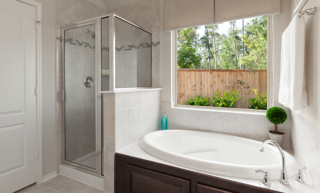 Master Bathroom - Celina (4832 Plan)
