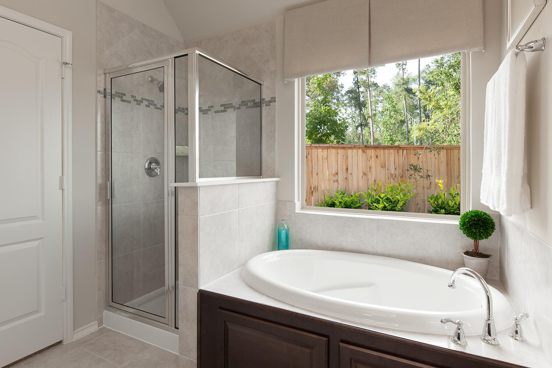 Master Bathroom - Celina (4832 Plan)