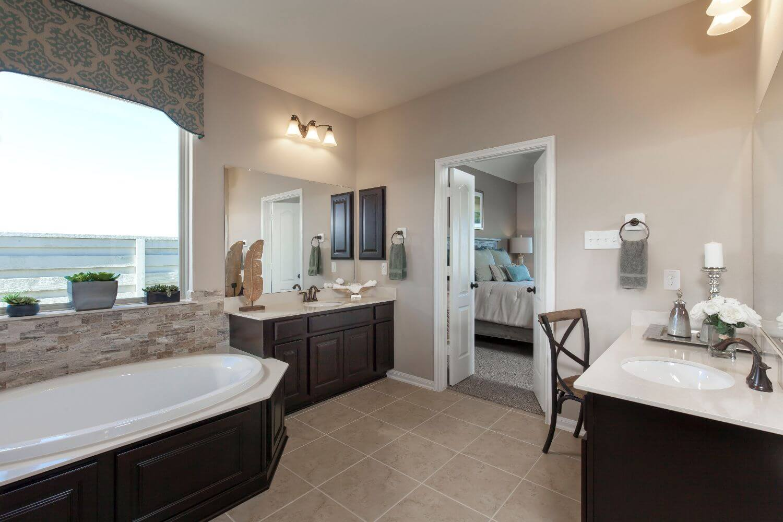 Master Bathroom - The Miami III (5961 Plan)