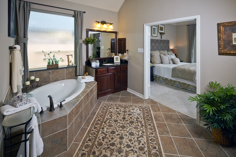 Master Bathroom - The Nederland II (6458 Plan)