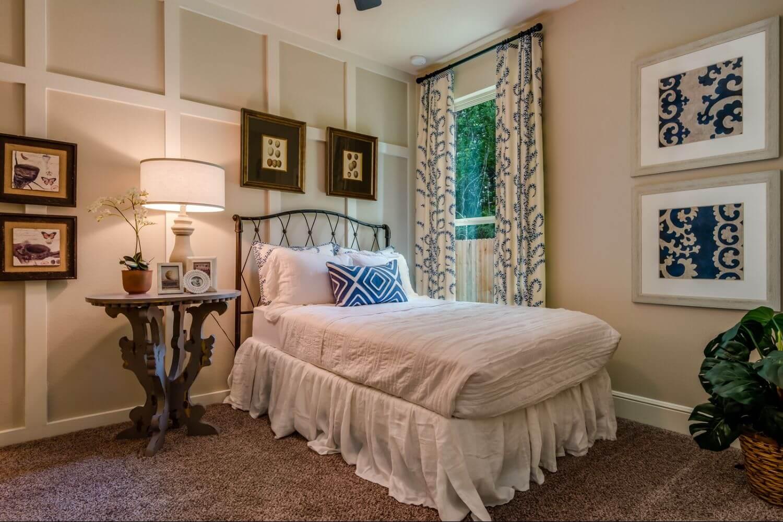 Secondary Bedroom - The Hooks VI (6475 Plan)