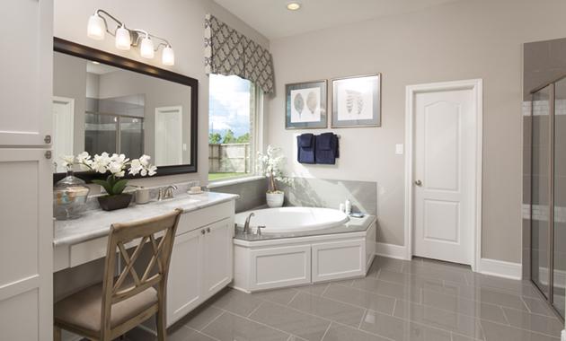 Master Bathroom - Design 6475