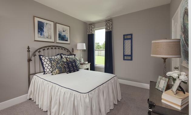Secondary Bedroom - Design 6475