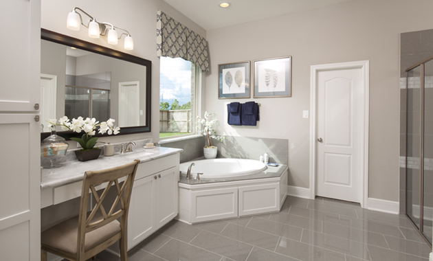 Master Bathroom - Design 6475