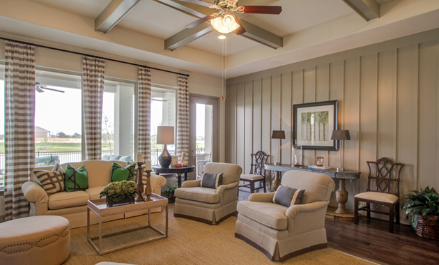 Family Room - Design 8264