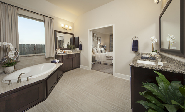 Master Bathroom - The Nederland II (6458 Plan)