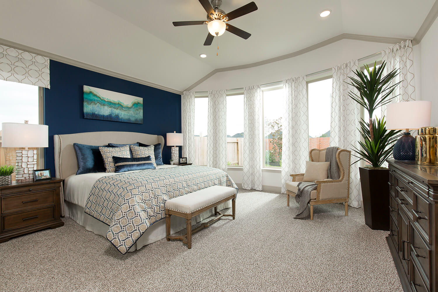 Master Bedroom - Lindsay (6495 Plan)