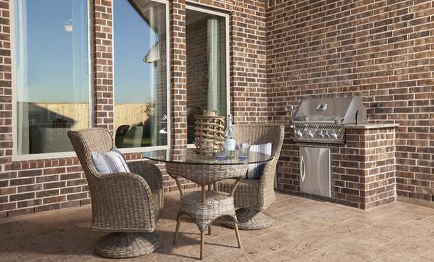 Covered Patio - The Nederland II (6458 Plan)