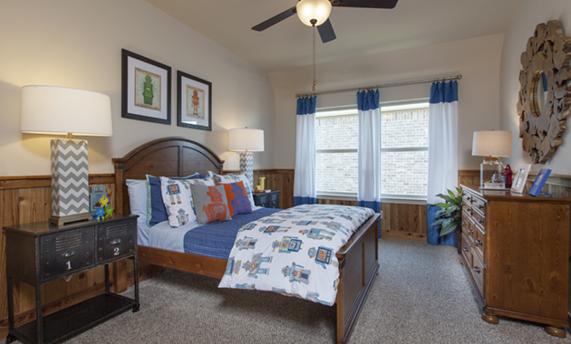 Secondary Bedroom - Design 7302